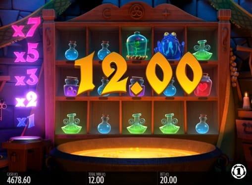 Выпадение призовой комбинации в игре Frog Grog